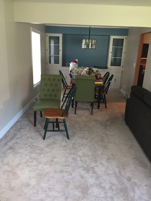 Dining room - before picture
